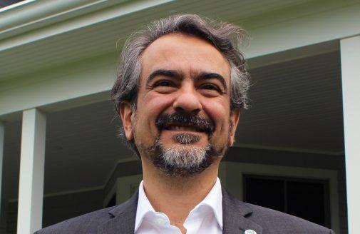 Portrait photo of André Guimarães