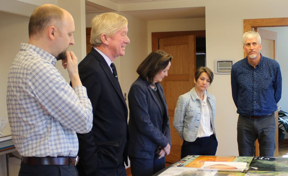 Presidential candidate Weld visits Woodwell Climate