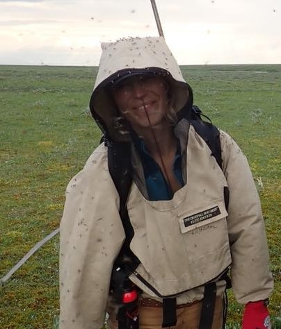 Dr. Anna Liljedahl in insect-protective gear